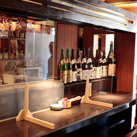 飛沫感染ガード・アクリル板 コロナ対策 飲食店テーブル席での利用例1